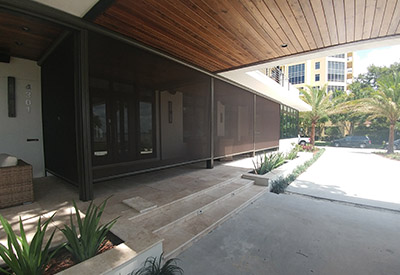commercial retractable screens