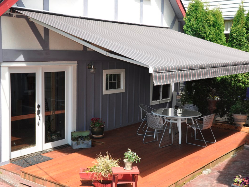 100 retractable patio screen retractable awnings dallas for Retractable deck screens